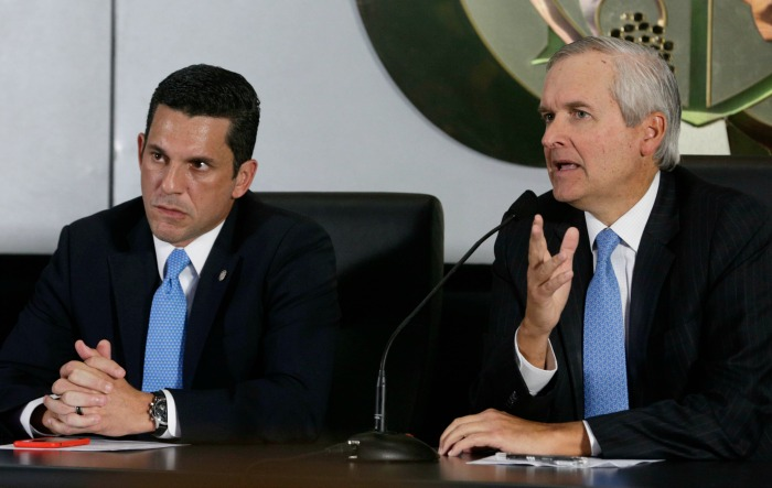 Panama's Cabinet Chief Alvaro Aleman, right, and Deputy Foreign Minister Luis Hincapie